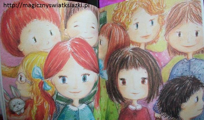 Bardzo mała dziewczynka i bardzo duży miś (6)